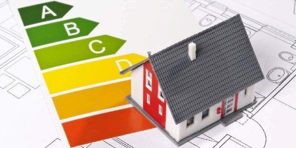 300 m2 hasznos alapterület alatti lakóépületek építési engedély nélkül, azaz egyszerű bejelentési dokumentáció alapján építhetők.